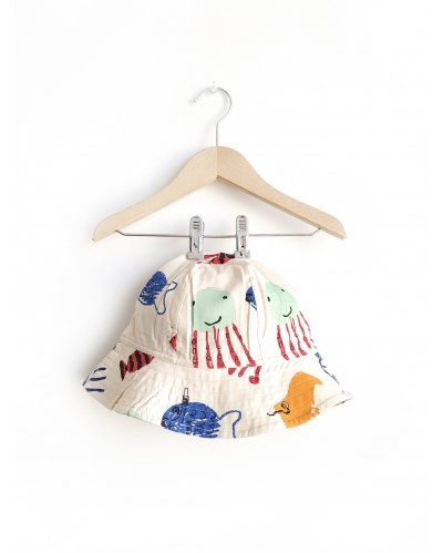 Hat Diving Fishes